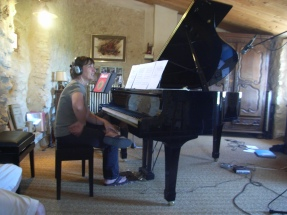 Nadine au piano